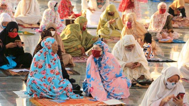 Daerah Zona Merah dan Oranye di Luar Wilayah PPKM Darurat Juga Dilarang Salat Idul Adha Berjamaah