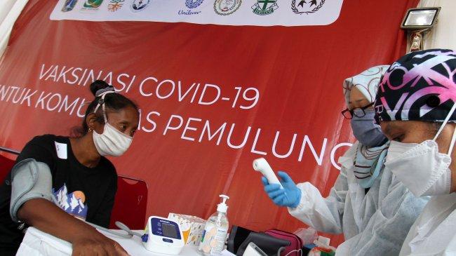 1 Juta Penerima Vaksin Covid-19 Tak Ber KTP DKI, Wamenkes : Vaksinasi di Jakarta Perlu Ditingkatkan
