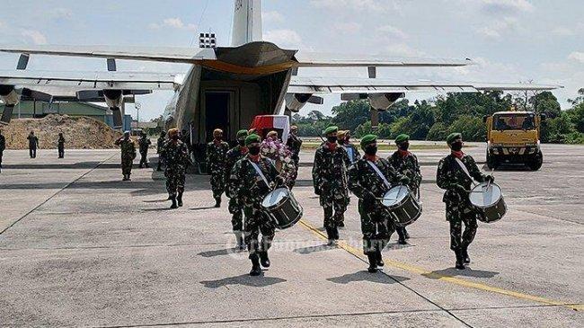 Jenazah Pelda Anumerta Rama Wahyudi Tiba di Pekanbaru