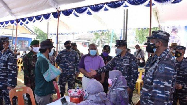 Serbuan Vaksinasi Dosis Ke-2, TNI AL Sasar 2.000 Warga di Subang