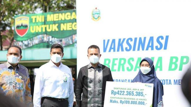 Hadir di Medan, Vaksinasi Bersama BPJAMSOSTEK Targetkan 10.000 Dosis