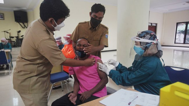 LBH Jakarta Sebut Penanganan Pandemi Covid-19 di DKI Masih Setengah Hati