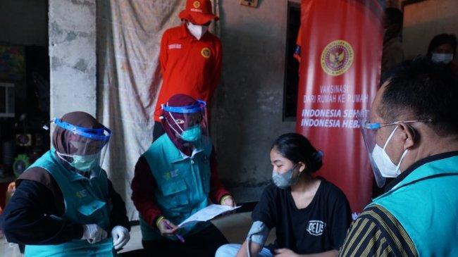 BIN Gelar Vaksinasi Massal dan Door to Door untuk Santri Serta Warga di Sleman