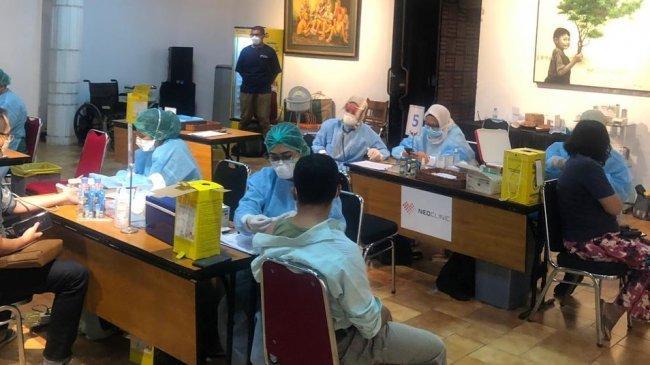 NeoClinic Dukung Kegiatan Vaksinasi Covid-19untuk 10.000 Pekerja Media di HUT ke-56 Harian Kompas
