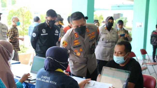 Polresta Malang Kota Gandeng PWI dan Kampus IBU Gelar 1000 Vaksinasi Covid-19