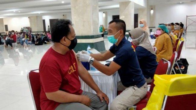 PBNU Targetkan Vaksinasi 3 Ribu Orang di Masjid Raya Hasyim Asyari Jakarta Barat