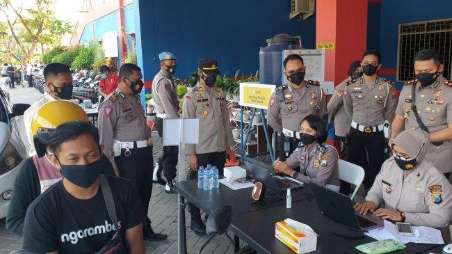 Polresta Malang Kota Bantu Warga yang Vaksinasinya Tertunda Karena NIK Ganda