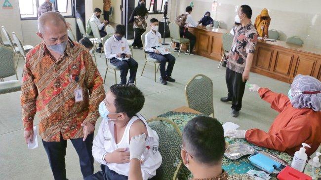 Guru Besar FKUI: Kasus Covid di RI Sudah Cukup Rendah Jangan Sampai Naik Lagi