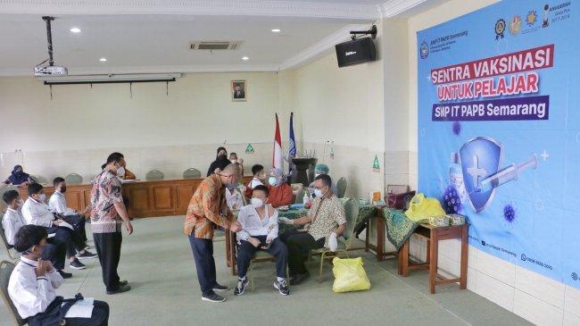 Ingatkan Waspada Gelombang Ketiga Covid-19, Jokowi Minta Kesiapan PTM Benar-benar Dicek