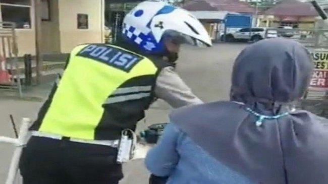 Dirlantas Polda Metro Jaya: Polantas Kirim Pesan Mesra ke Pemotor Wanita Diperiksa Propam