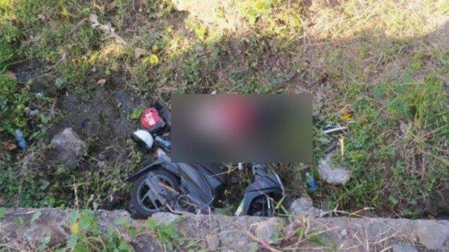 Jasad Wanita Ditemukan di Sungai Pacet Mojokerto, Diduga Hilang Kendali dan Jatuh saat Naik Motor