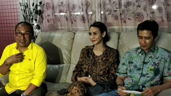 Polemik dengan Rezky Aditya Masih Berlanjut, Wenny Ariani Bantah Sedang Pansos