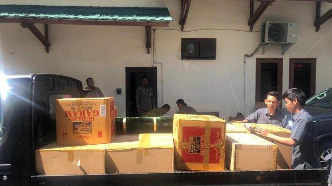 Keluar dari RSPAD, Wiranto Kemasi Barangnya di Kemenko Polhukam