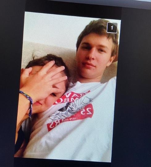 Ansel Elgort dituduh melakukan pelecehan seksual terhadap gadis berusia 17 tahun pada tahun 2014 setelah bertemu dengannya di media sosial.