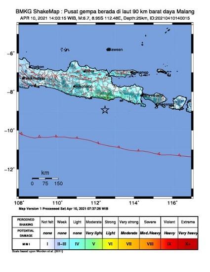 Laporan BMKG terkait gempa yang menggucang beberapa wilayah di Jawa Timur, Sabtu (10/4/2021).