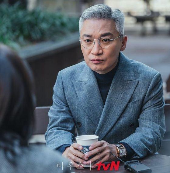 dr. Daniel Lee masih hidup, drama Korea Mouse.