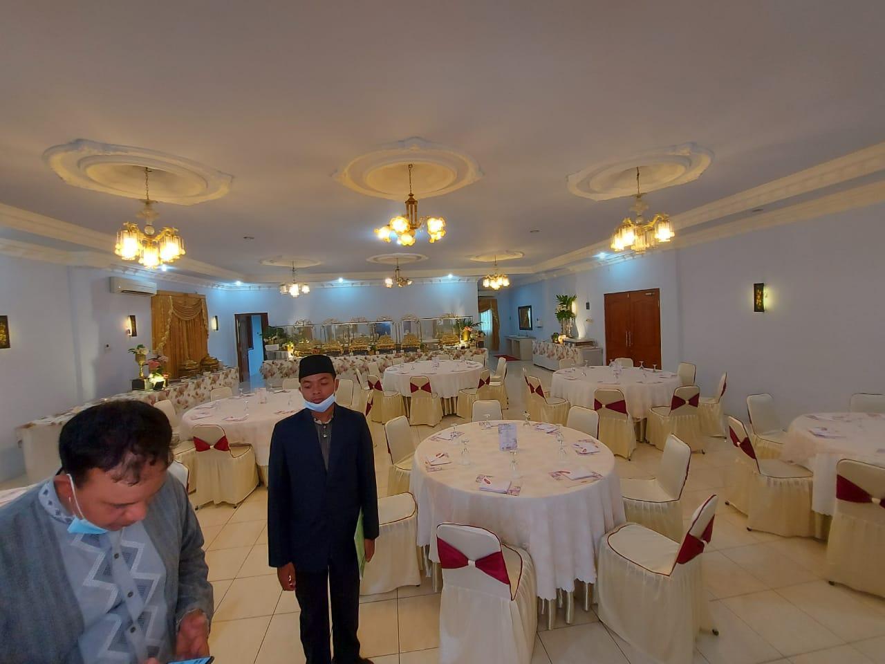 Foto-foto suasana persiapan resepsi pernikahan UAS di kampus UNIDA Gontor 2