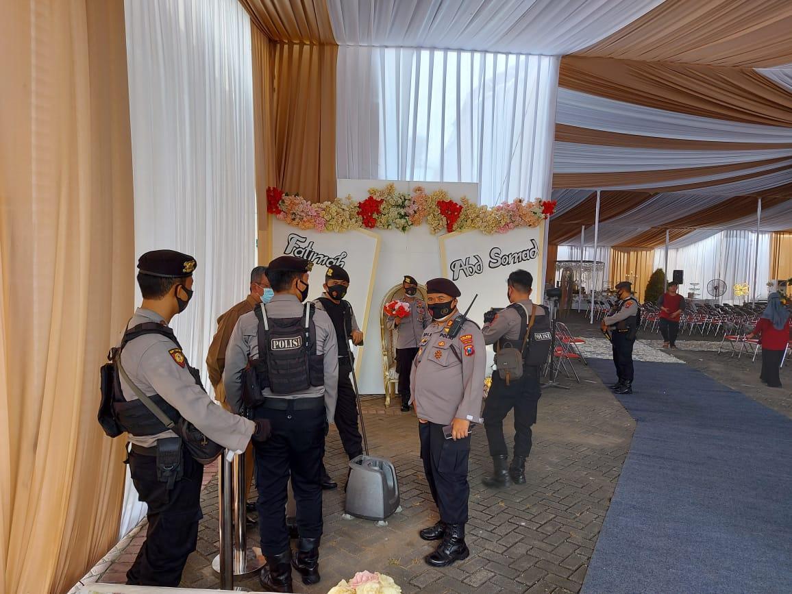 Foto-foto suasana persiapan resepsi pernikahan UAS di kampus UNIDA Gontor 4