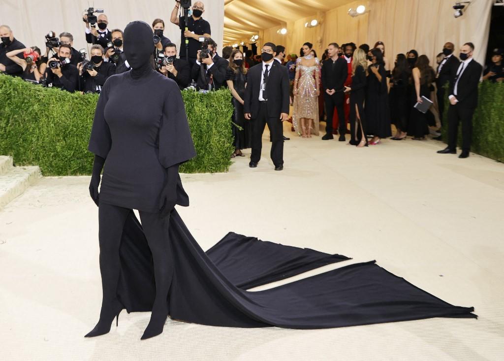 Kim Kardashian menghadiri The 2021 Met Gala Celebrating In America: A Lexicon Of Fashion di Metropolitan Museum of Art pada 13 September 2021 di New York City.