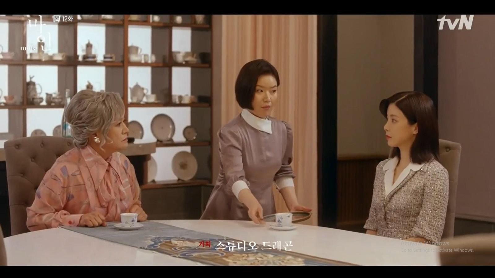 Seo Hi Soo mengabarkan keguguran dan rencana perceraiannya pada ibu mertua, Yang Soon Hye.