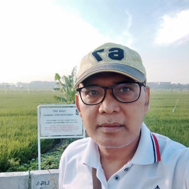 Pengamat pendidikan asal Surabaya, Moch Isa Anshori yang juga anggota dewan pendidikan Jatim.