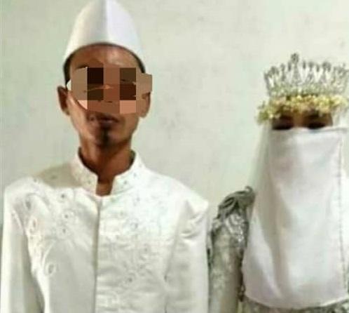Foto pernikahan diduga Muh dan Sup yang diunggah Instagram @instalombok_.