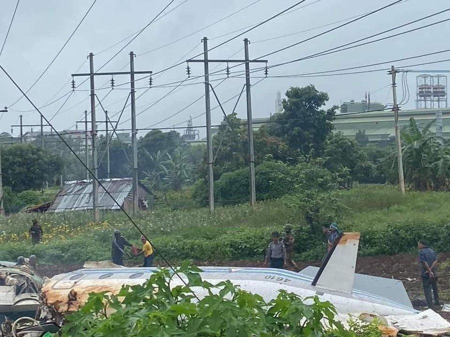 Pesawat militer Myanmar jatuh di dekat kota terbesar kedua negara tersebut, Mandalay pada Kamis (10/6/2021), sedikitnya 12 orang dilaporkan tewas.