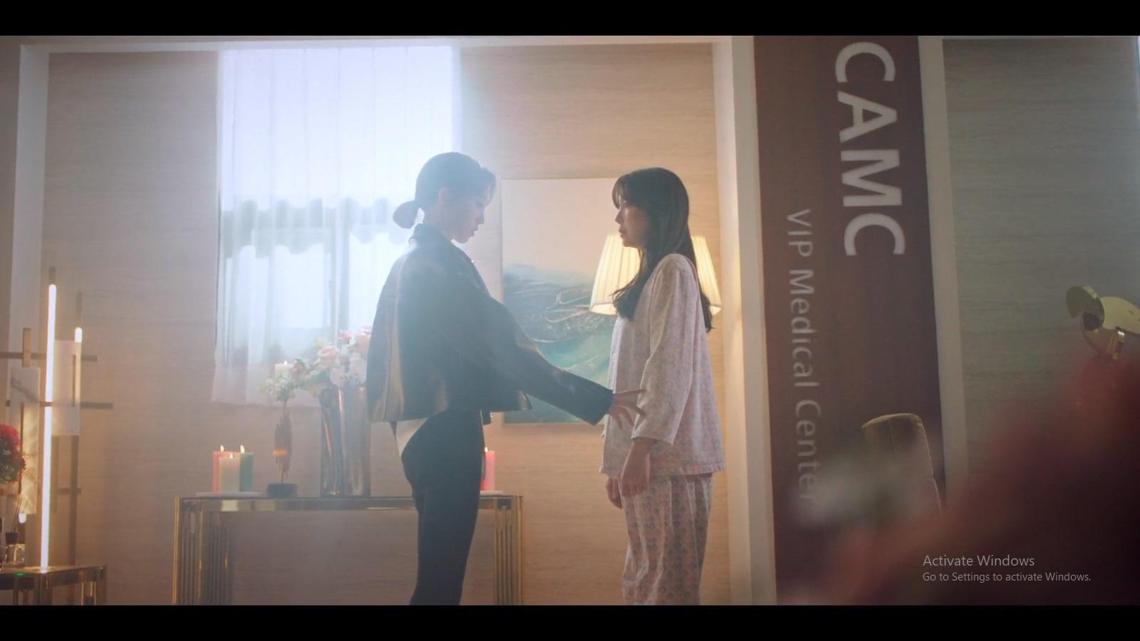 Momen pertemuan Joo Seok Kyung dan Shim Su Ryeon.