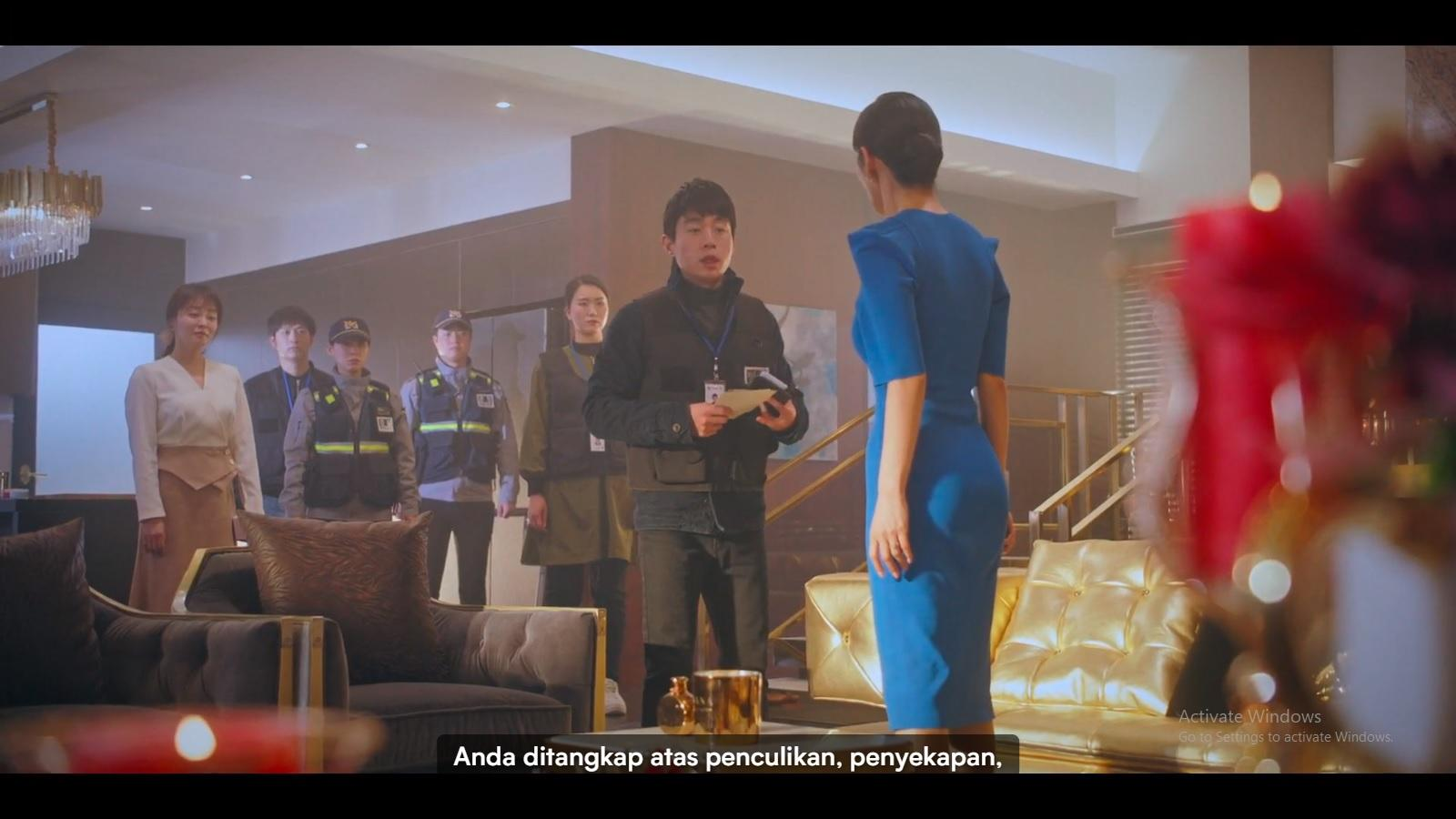 Cheon Seo Jin ditangkap atas tuduhan penculikan dan penyekapan terhadap Shim Su Ryeon dan Bae Ro Na.