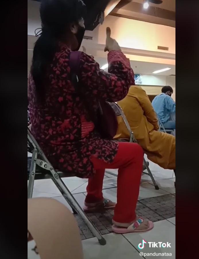 Video seorang Ibu yang menyemangati anaknya saat ikut lomba viral di media sosial.