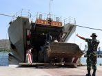 100-prajurit-zeni-marinir-tiba-di-lombok-perkuat-tugas-bantuan-kemanusiaan_20180918_165817.jpg