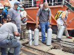 Tim Evakuasi Pesawat Sriwijaya Air SJ182 Hadapi Cuaca Ekstrem, Tidur di Geladak Kapal