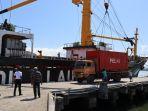 19-kontainer-muatan-balik-tol-laut-diangkut-dari-lewoleba-ntt-menuju-surabaya.jpg