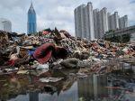 20130123_Sampah_Banjir_Masih_Menumpuk_6192.jpg