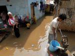 20130213_Banjir_Rendam_Kampung_Pulo_1579.jpg