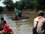 20130222_Pengerukan_Sungai_Ciliwung_2109.jpg
