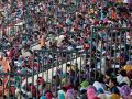 20131104_ribuan-tenaga-honorer-ikut-tes-cpns-di-stadion-si-jalak-harupat_9645.jpg