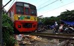 20140117_162928_korban-banjir-pesing-mengungsi-di-rel.jpg