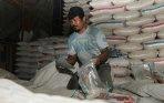 20140128_162237_beras-impor-ilegal-asal-vietnam.jpg