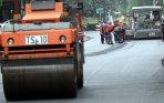 20140218_093044_dinas-pu-dki-ngaspal-jalan-pejambon-yang-rusak.jpg