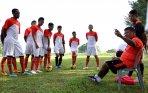 20140514_231657_latihan-tim-sepakbola-persija-jakarta.jpg