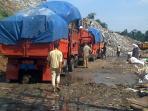20140604_111139_truk-sampah-bantar-gebang.jpg
