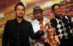 20140620_165029_superman-is-dead-grup-rock-terbaik-ami-awards-2014.jpg