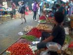 20140727_163510_penjual-lauk-pauk-di-pasar-baru-bekasi.jpg