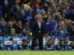 20140818_232900_jose-mourinho-berdiri.jpg