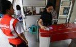 20140818_233827_warga-kesulitan-gunakan-e-ticketing-bus-transjakarta.jpg