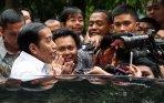 20140908_210028_jokowi-hadiri-peluncuran-lagu-indonesia-wow-milik-slank.jpg