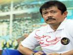 20140918_232221_pelatih-timnas-indonesia-u-19-indra-sjafri-nonton-bola.jpg