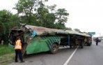 20140919_165013_bus-karunia-bakti-kecelakaan-beruntun-di-jagorawi.jpg