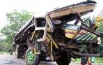 20140919_165801_bus-karunia-bakti-kecelakaan-beruntun-di-jagorawi.jpg
